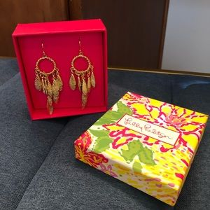 Lilly Pulitzer oyster shell earrings